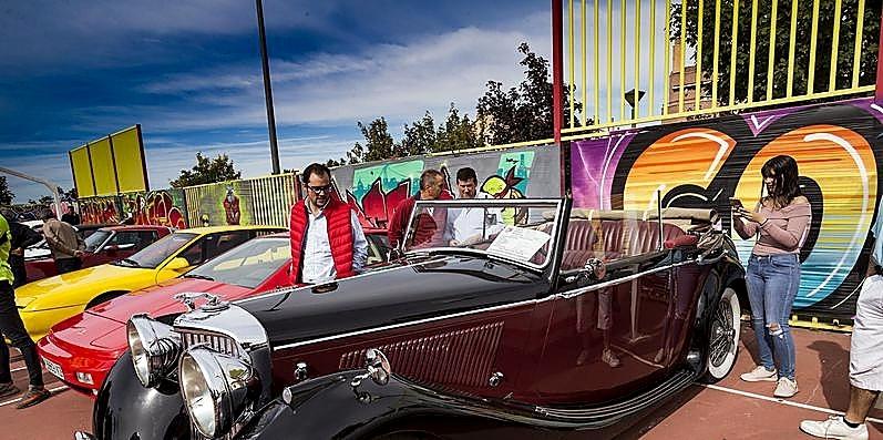 Entre las piezas se encontraba un Jaguar de 1948.