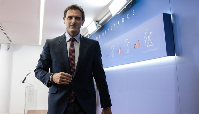 Rivera recrimina a Sánchez la actitud del PSOE en Navarra