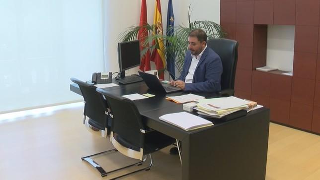 Primer día de trabajo del nuevo Presidente del Parlamento