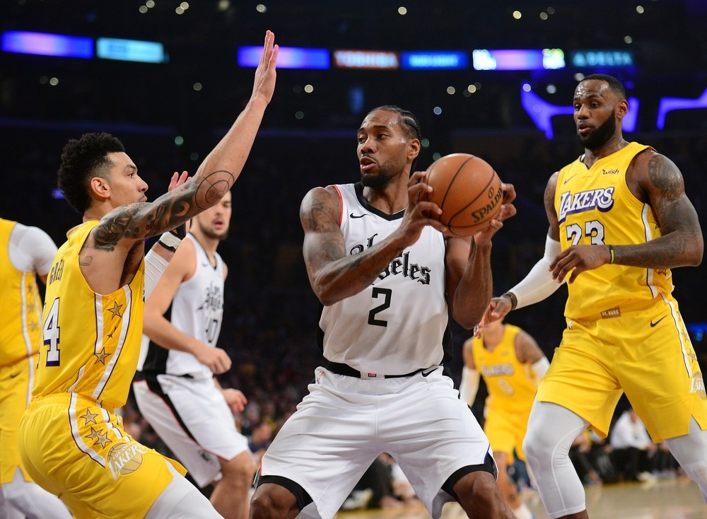 Los Clippers ganan a los Lakers el duelo angelino