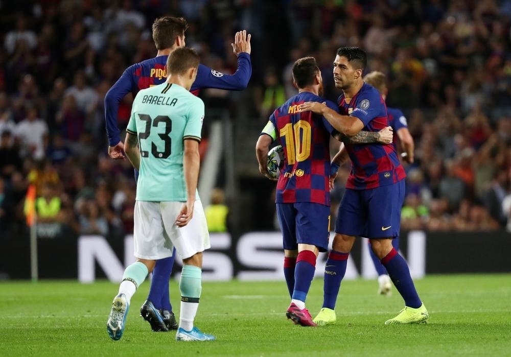 Luis Suárez se autoproclama héroe en el Camp Nou