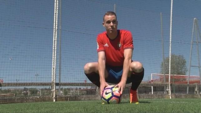 El catalán abandona Osasuna tras 98 partidos defendiendo la elástica rojilla NATV