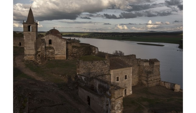 Ruiz Toribio salva la deuda con el Guadiana