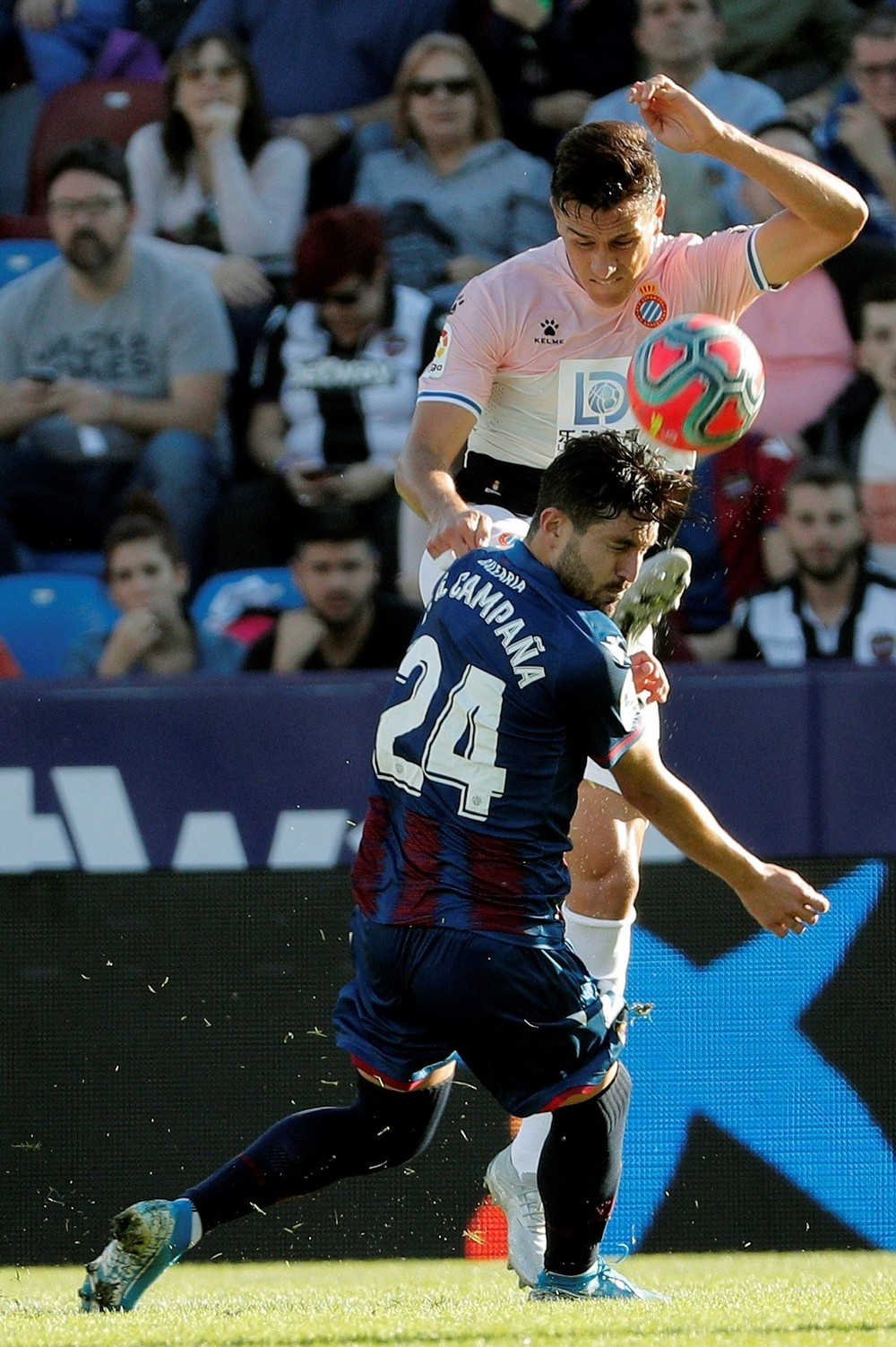 El Espanyol gana con solvencia a un Levante sin ideas