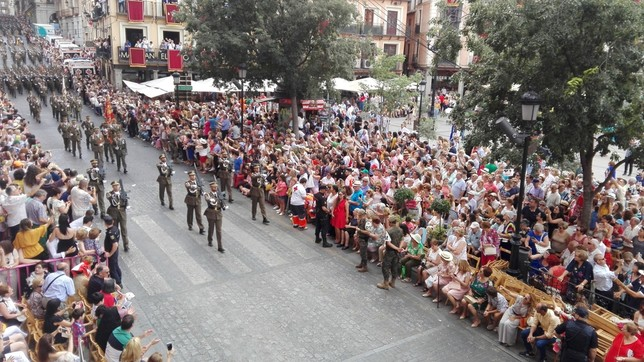 Y con el desfile militar se cierra la mañana del Corpus