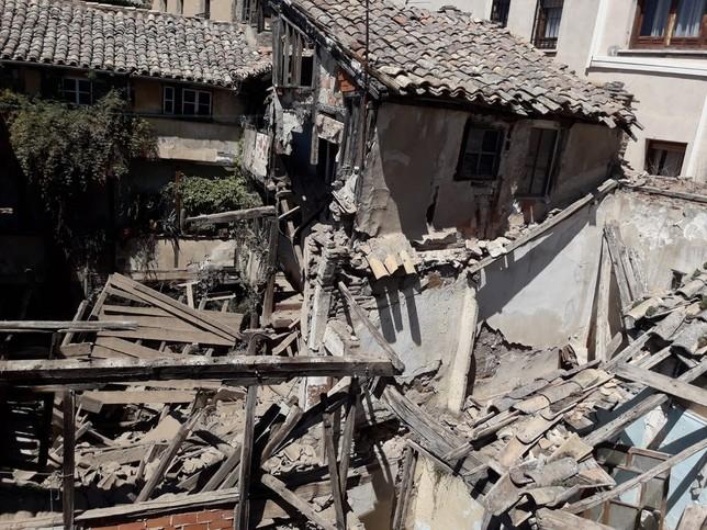 El derrumbe se produjo el sábado por la tarde, aunque no hubo que lamentar víctimas al no haber nadie en el edificio.
