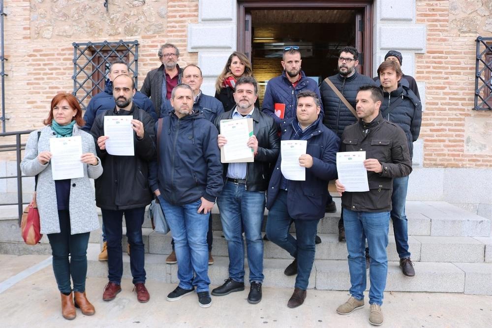 Sindicatos registran un escrito en las Cortes reclamando la retirada de la enmienda del PSOE sobre altos cargos.
