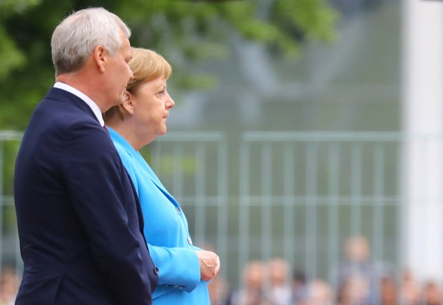 Tercer episodio de temblores de Angela Merkel