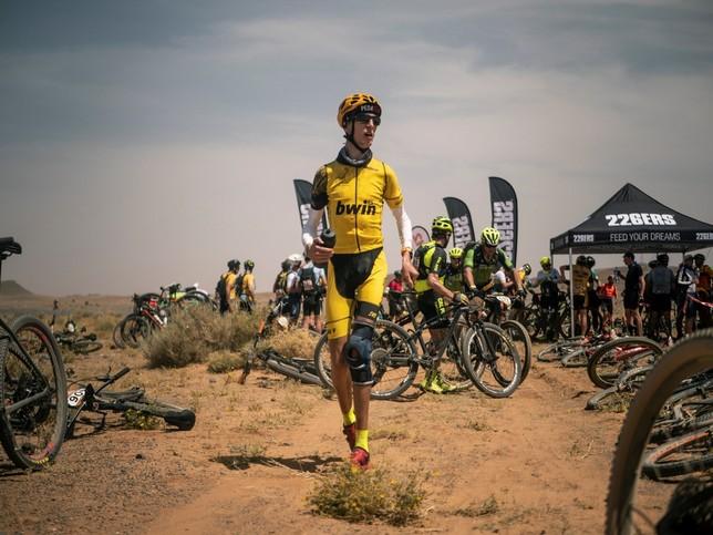 Álex ya sueña con el Dakar Víctor Sanchís