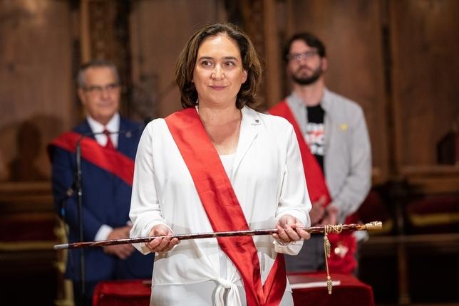 Colau, alcaldesa de Barcelona con los votos del PSC y Valls