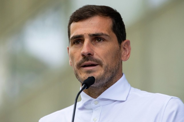 Iker Casillas pasa a los despachos