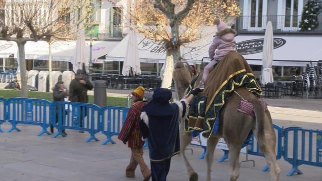 Preparan el camino para  la llegada de los Reyes Magos