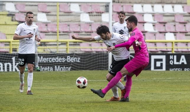 Chevi, durante el partido frente a la Ponferradina.