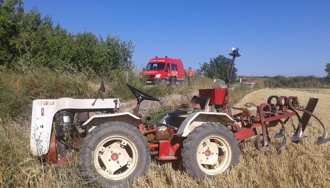 Fallece un vecino de Cascante tras volcar con su tractor