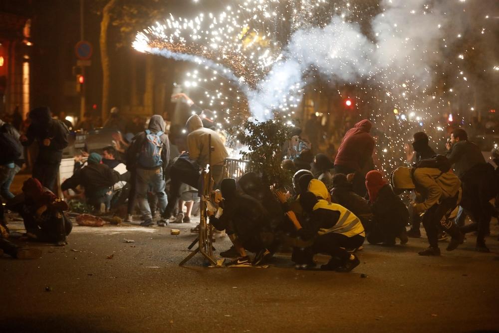 Nueva noche de violencia y disturbios en Barcelona