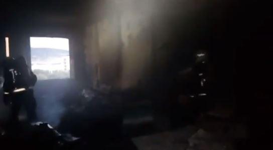 El fuego calcina un piso en el centro de Zizur Mayor