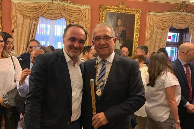 Enrique Maya, nuevo alcalde de Pamplona Twitter