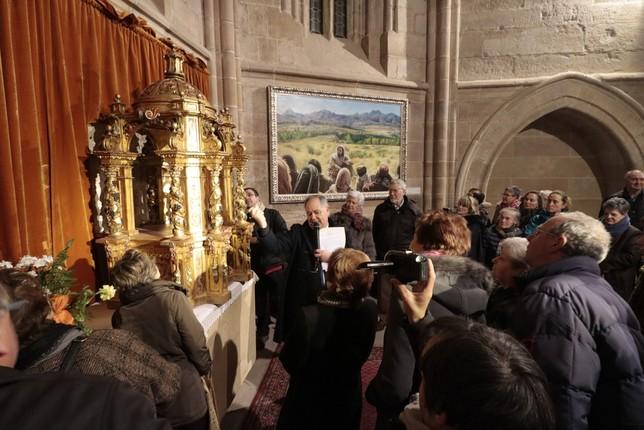 Las campanas de la colegiata tocan a misa