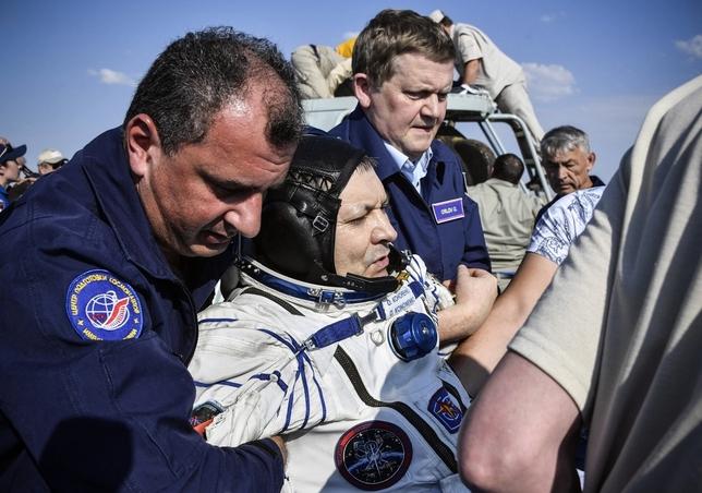 Tres astronautas vuelven a casa tras su misión en la EEI