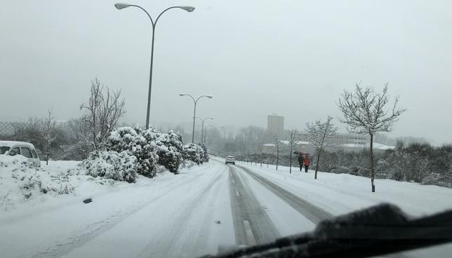 Pamplona se prepara para recibir la nieve este fin de semana