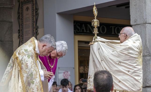 El arzobispo llama a la ciudadanía a llenar las iglesias Yolanda Lancha