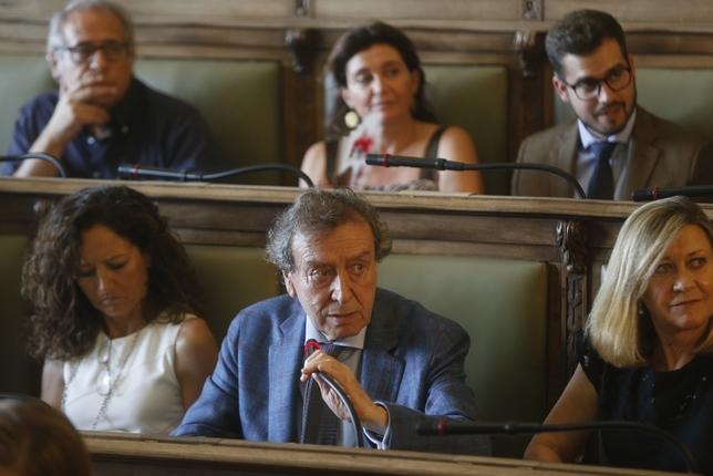 De Santiago-Juárez, en el Pleno del Ayuntamiento de Valladolid.