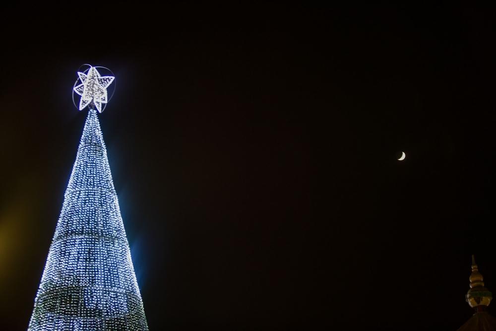 Un gigante que da la bienvenida a la navidad