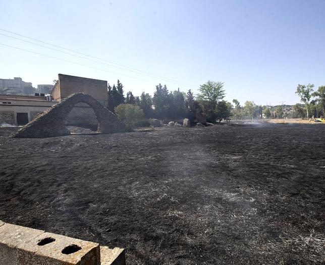 Extinguido un fuego en el antiguo camping del Circo Romano