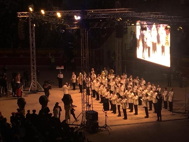 La Pamplonesa arropada por 50 bandas, ponen ritmo a Pamplona