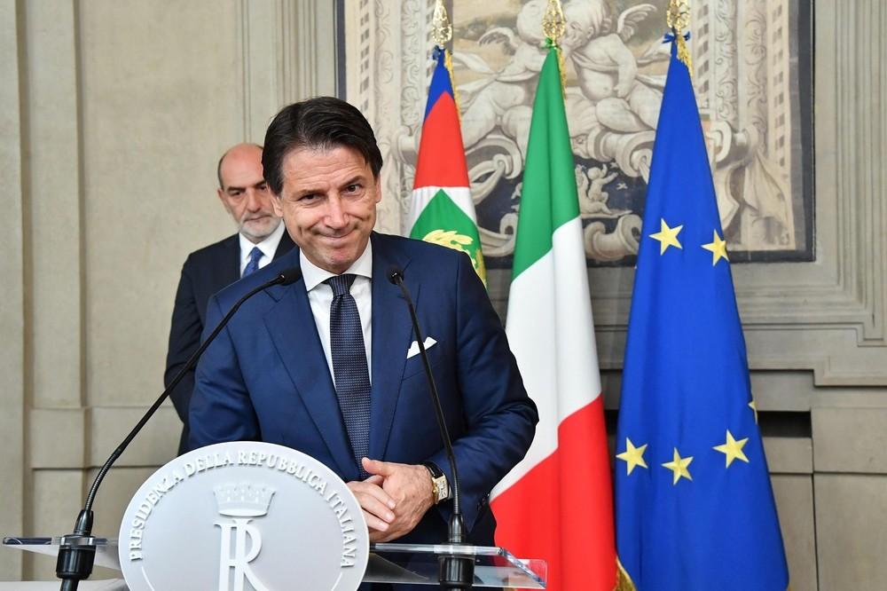 Mattarella encarga a Conte que forme un nuevo gobierno