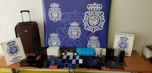 Material incautado en la operación policial.