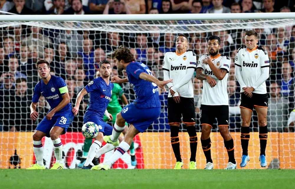 El Valencia conquista Stamford Bridge