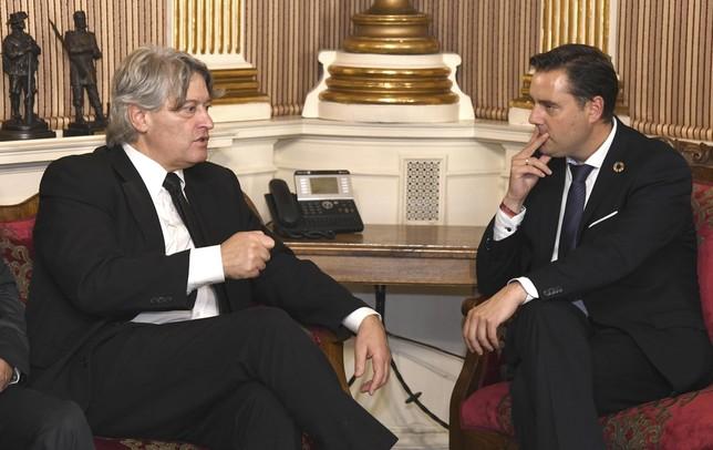 Burgos y Uruguay acuerdan mejorar las relaciones comerciales