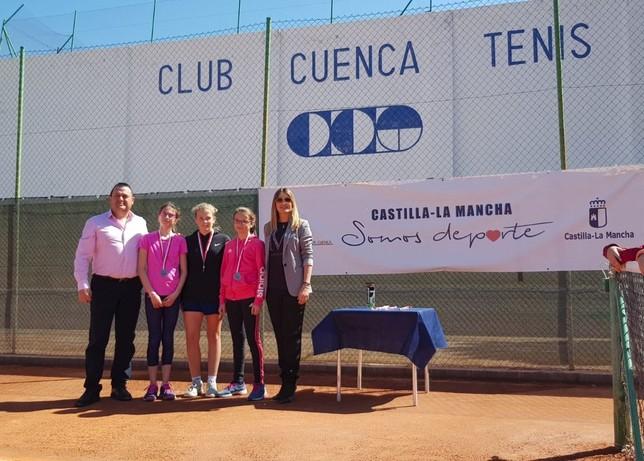 Los alevines cierran el provincial escolar de tenis de mesa