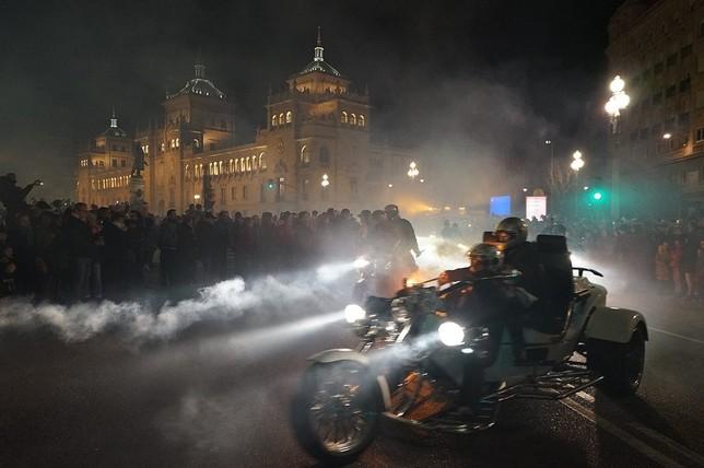 Las antorchas y las motos se apoderan de Valladolid