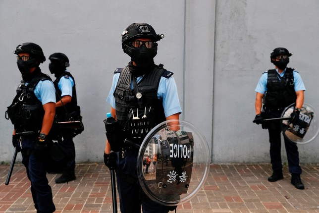Vuelve la violencia a las marchas de Hong Kong