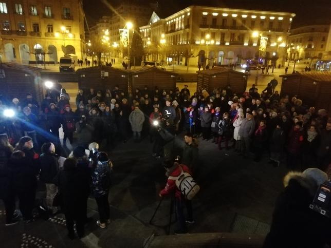 Se concentran indignados por la libertad de 'La Manada' Europa Press