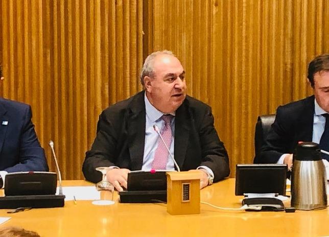 Tirado preside la Comisión de Seguridad y Girauta, Defensa