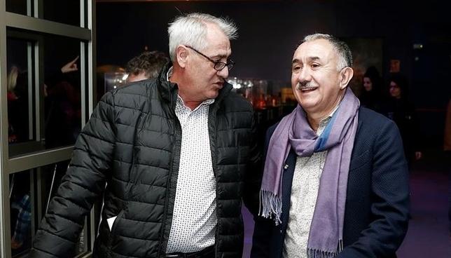 A la derecha, José María Álvarez, secretario general de la UGT, acompañado del secretario general de la UGT en Navarra Jesús Santos