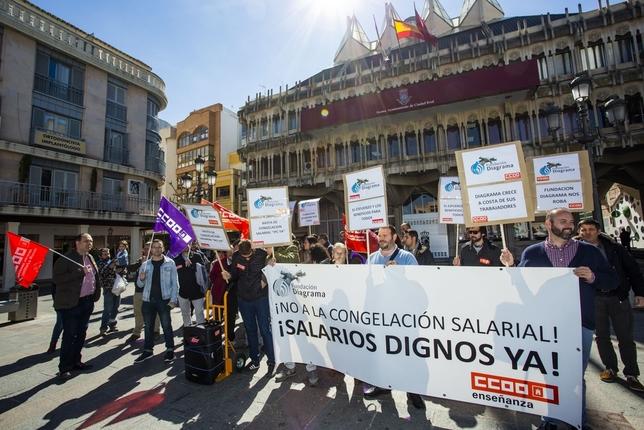 Diagrama traslada a la plaza su protesta por el convenio Rueda Villaverde