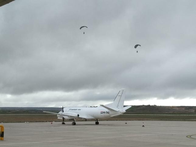 Paracaidistas en Villafría