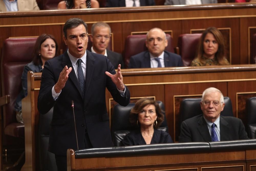 Sánchez amenaza con el 155 si se vulnera la Constitución