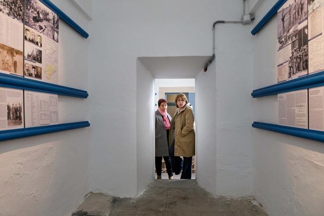 Dolores Delgado visita el Memorial Democrático de La Cárcel ICAL