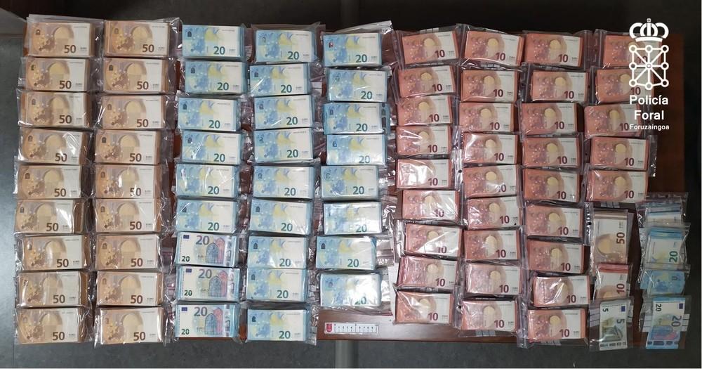 Llevaba en su camión 258.000 euros procedentes de droga