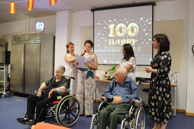 Centenario feliz en la residencia de Manzanares