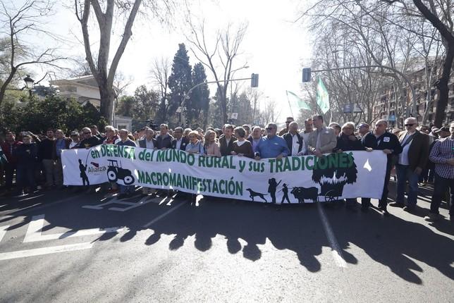 El mundo rural sale a la calle Javier Lizón
