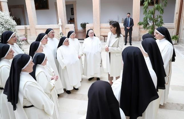 La reina letizia con las monjas dominicas