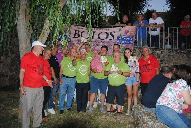 Valdemoro-Sierra se lleva el torneo de bolos de Huélamo