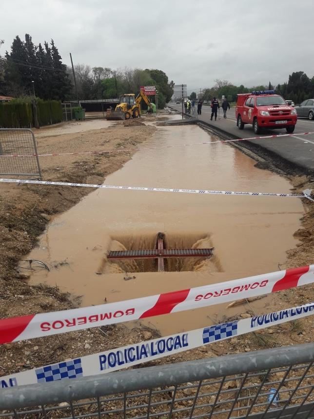 Cortado el acceso a la ciudad por la carretera de Valencia