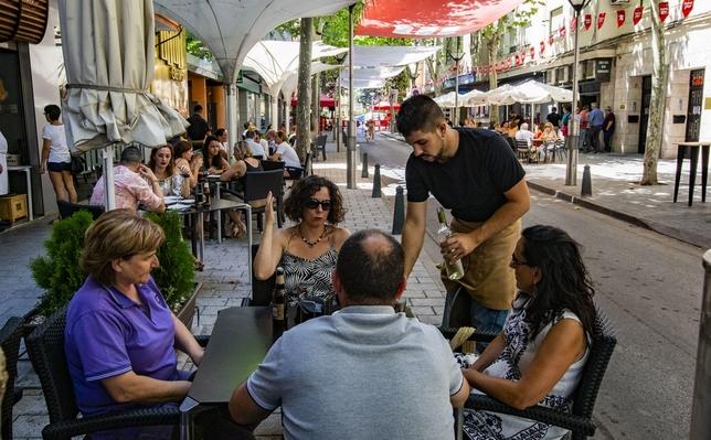 """Zamora invita a todos """"a moverse a los sones de la ciudad"""""""
